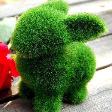 Сувенирная фигурка из искуственной травы