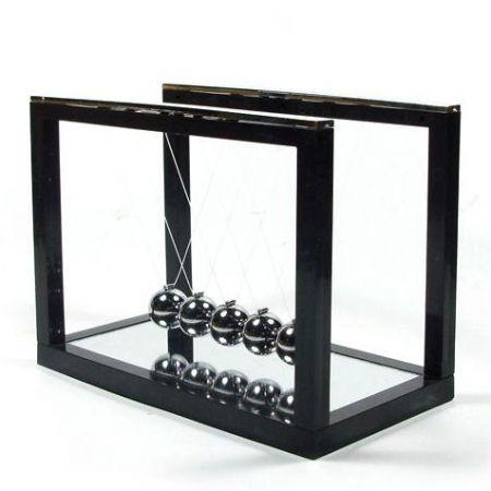 Шары ньютона на черной подставке с зеркалом 13х10х7.5см